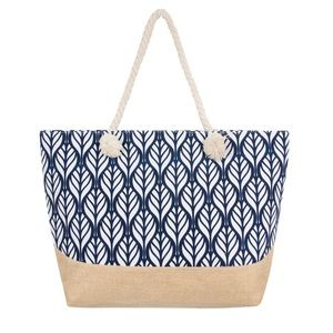NWT BLUE PALM LEAF NAVY AND WHITE TOTE 🌸❤️